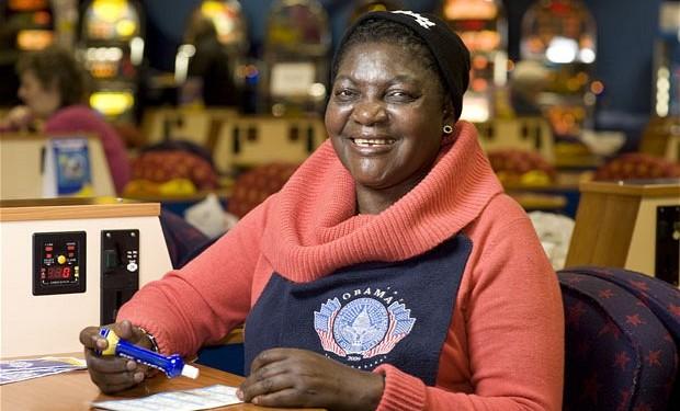 Kezia Obama, joueuse de bingo